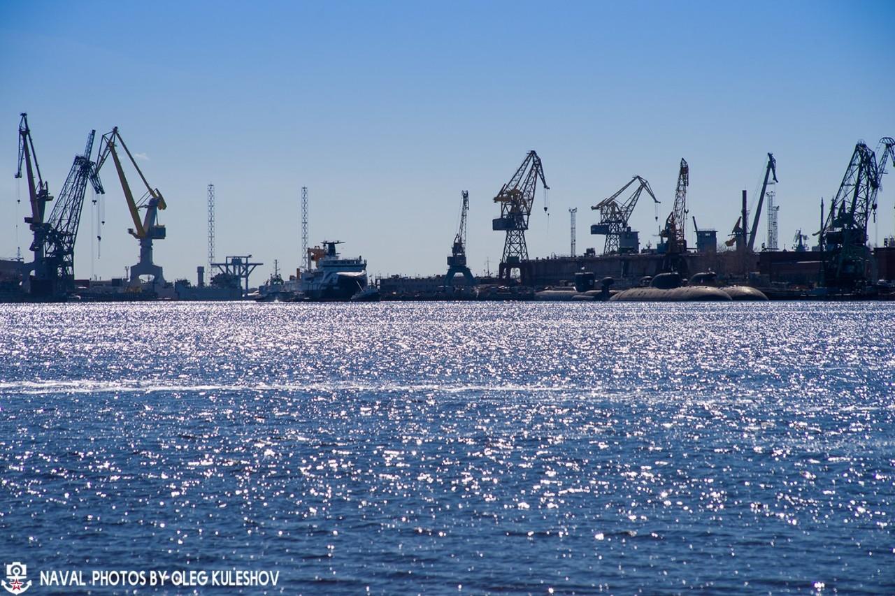 """Спущено на воду океанографическое исследовательское судно """"Академик Александров"""""""