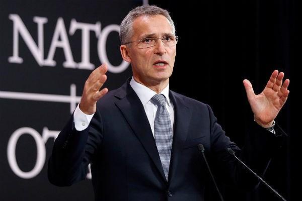 НАТО призывает Россию вывест…