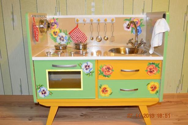 Игровая детская кухня своими руками