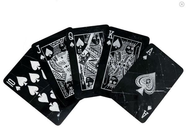 Mikol выпустили первую в мире мраморную колоду карт