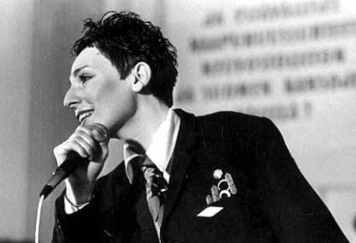 «В Городе Моём»: поёт самая эксцентричная певица СССР Жанна Агузарова