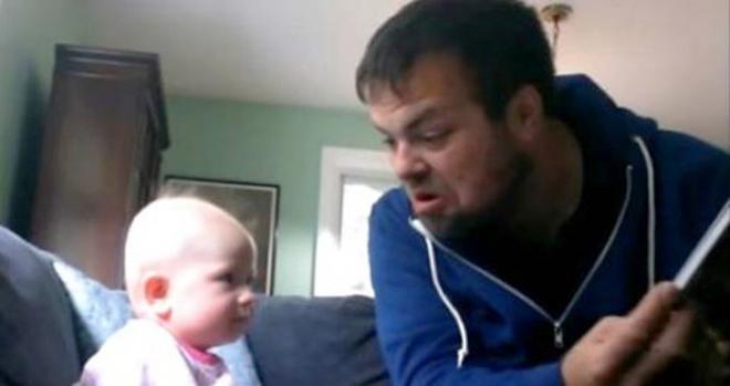 Родной дядя остался присматривать за малышкой. Увидев это видео, мама лишилась дара речи!