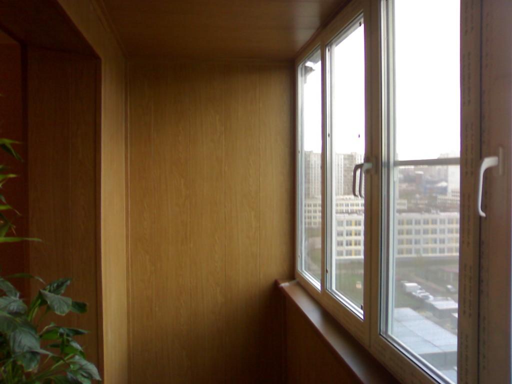Остекление балкона с выносом - окна строй.
