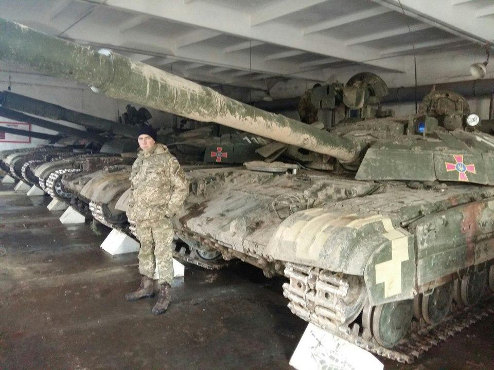 Передача вооруженным силам Украины очередной партии техники и вооружения