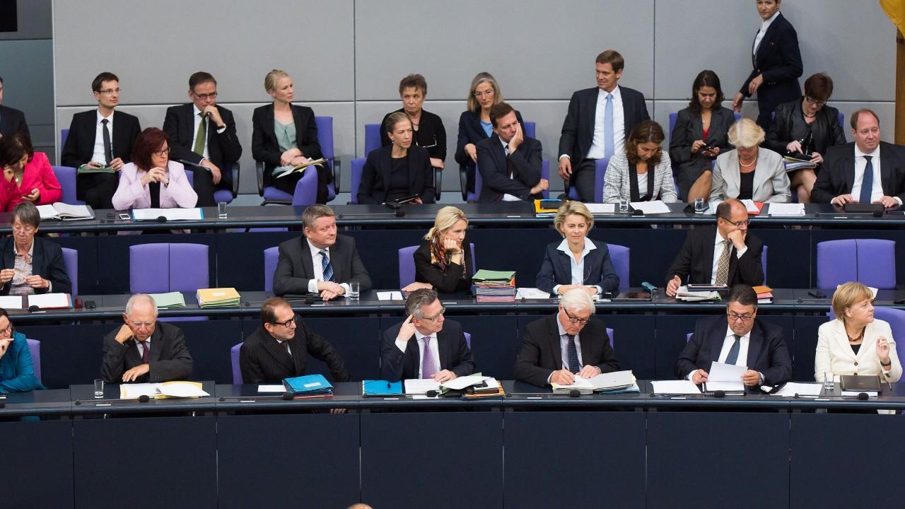 Кабмин Германии потребовал немедленно прекратить блокаду Донбасса