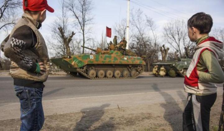 Почему население Донбасса не уезжает? Интервью военного врача.