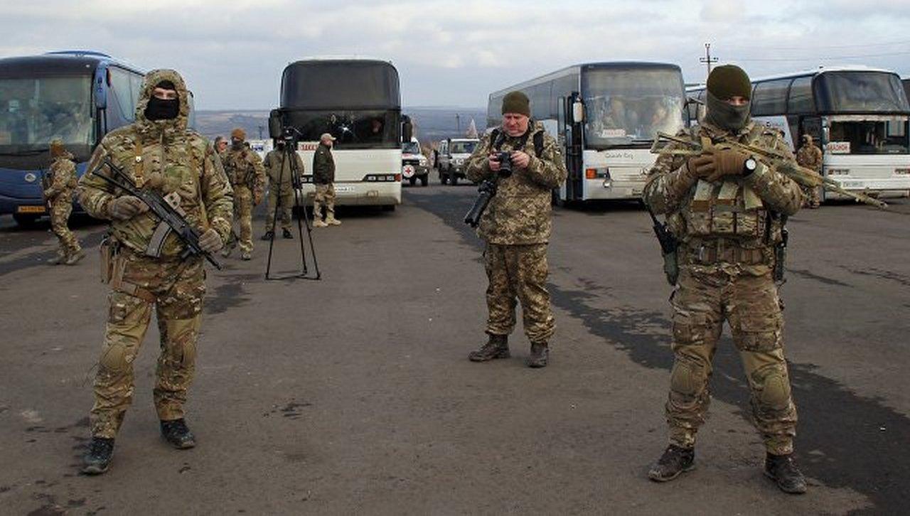 «Без руки и с переломанными ногами». Как Украина возвращает пленных. Владимир Корнилов
