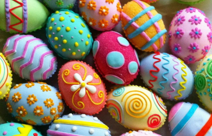 Похороны селёдки, битва на яйцах и шоколадные фигурки: Как празднуют Пасху народы мира