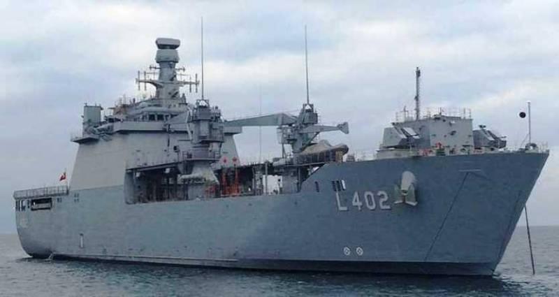 ВМС Турции получили новый десантный корабль