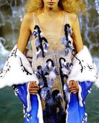 Fendi Haute Couture осень-зима 2016-2017—  роскошные меха в стиле невинной девы и холодной злой королевы