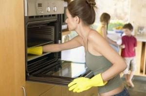 Как отмыть духовку?