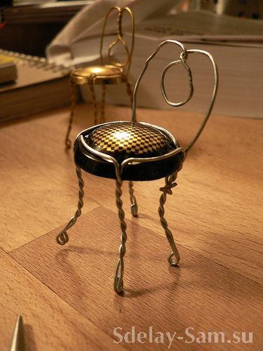 Как сделать стульчик из шампанского
