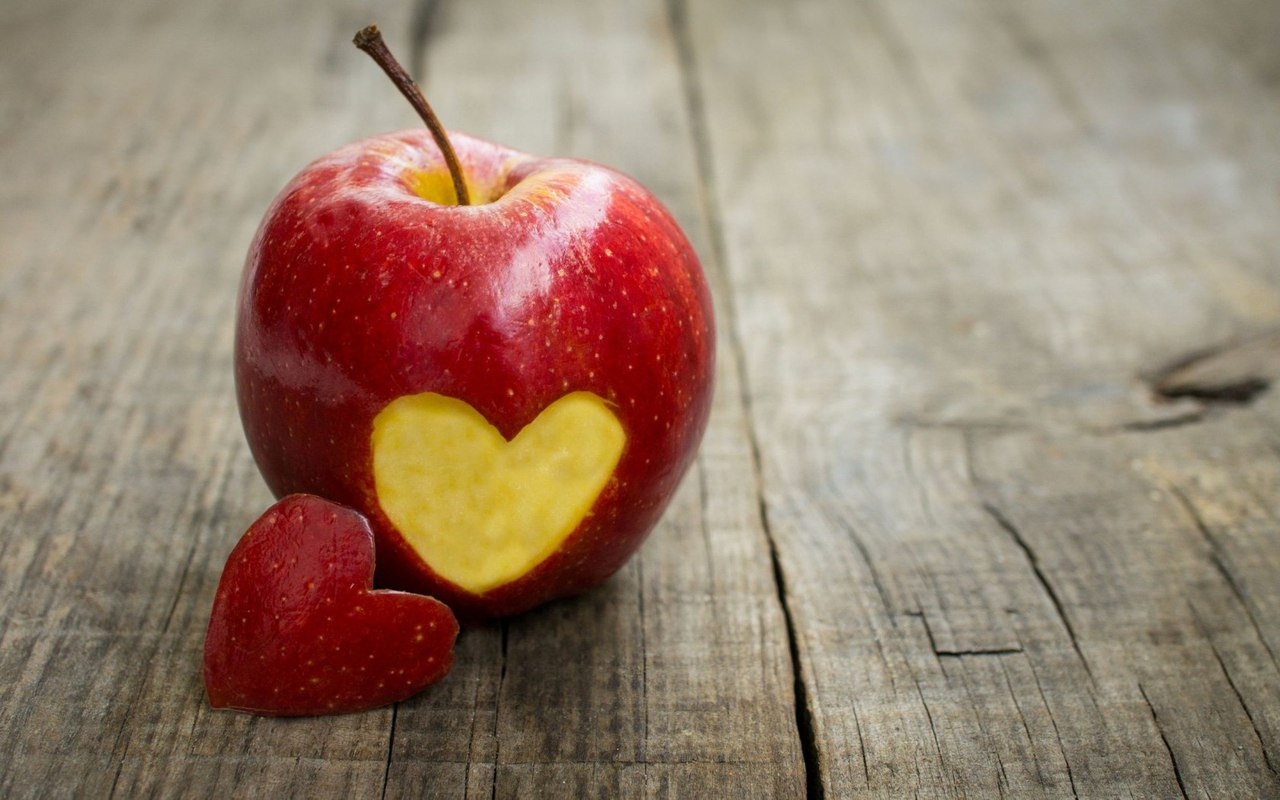 О двух половинках одного яблока