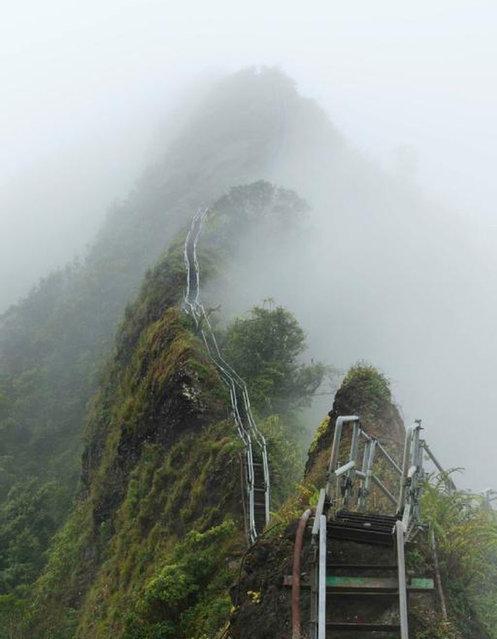 Лестница на Гавайях, ведущая в небо
