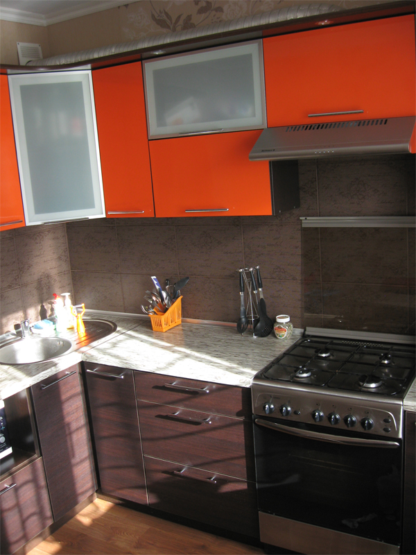 Апельсиновый рай — кухня апельсиново-шоколадного цвета