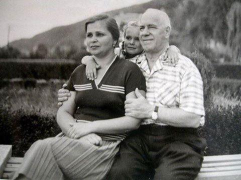 Георгий Константинович Жуков в кругу семьи