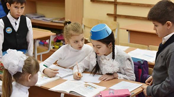 Крымские татары требуют убрать из школ учебник по истории Крыма