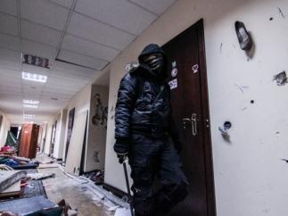 """Новые захватчики здания КГГА называют себя воинами """"Нарнии"""""""