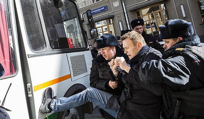 Навальный заработал сумму на продолжение деятельности