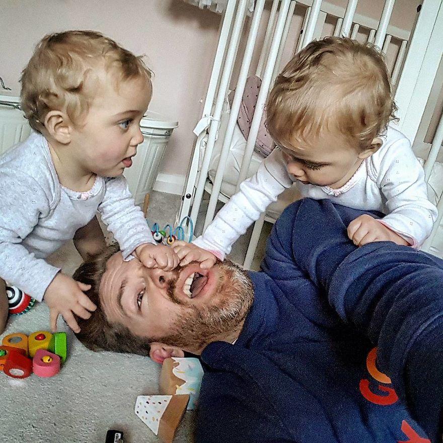 Реальная жизнь папаши 4 дочерей в фотографиях вызвала шторм в социальных сетях