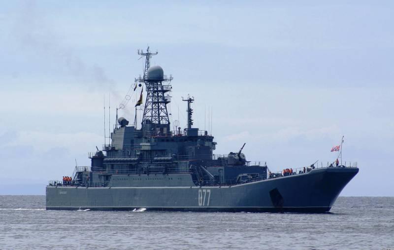 БДК «Пересвет» выполнил стрельбы в Японском море