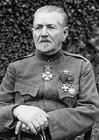 """Крепость Осовец. """"Бессменный часовой"""". Русский солдат, простоявший в карауле бессменно девять лет, остался верен присяге..."""