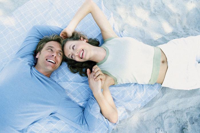 suprug-izbegaet-intimnih-otnosheniy