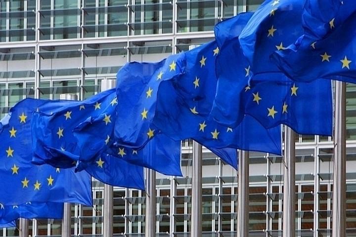 Источник сообщил, что послы ЕС согласовали продление санкций против российских граждан и компаний