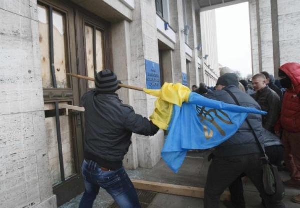 Москва направила ноту протеста Киеву из-за погрома вздании РЦНК