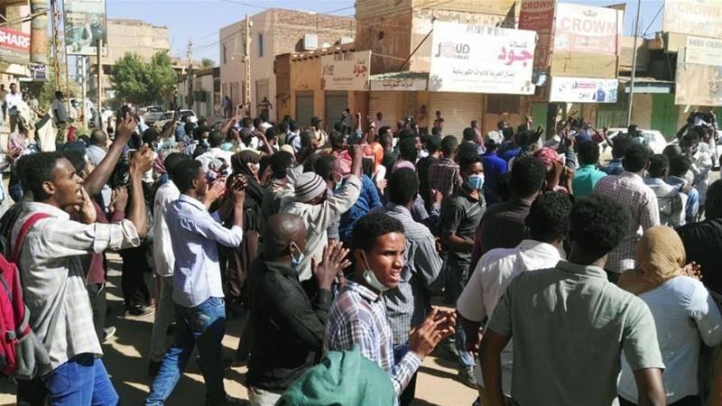 """Суданский """"майдан"""". Кому он …"""