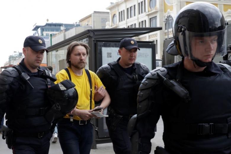 Москва 12 июня: скоро оппозицию надо будет не сажать, а защищать
