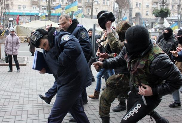 Украина — свободная страна, поскольку можно безнаказанно избивать правоохранителей — Корчинский