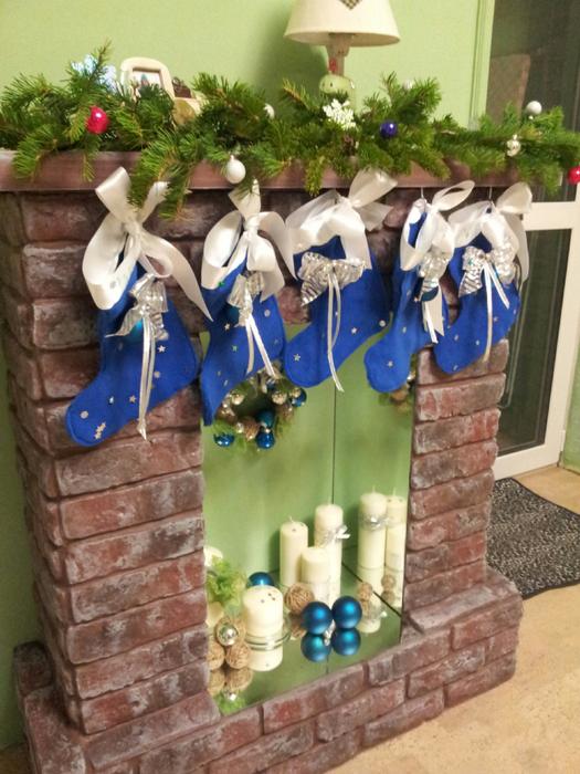 Декоративный фальш-камин к Новому году женскими руками