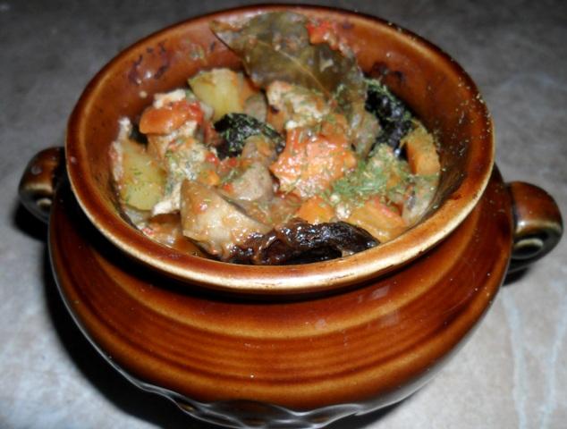Макароны со свининой в горшочках в духовке рецепт