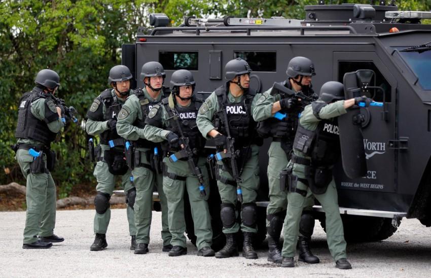 Хотите застрелиться - вызывайте SWAT!