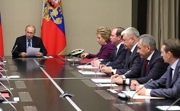 Путин провел совещание по Донбассу с постоянными членами Совбеза