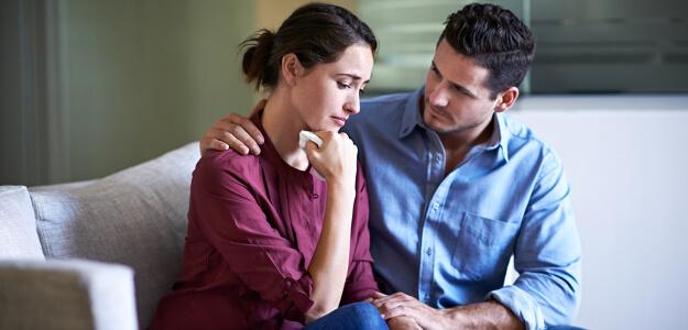 Несет ли ответственность жена за долги мужа?