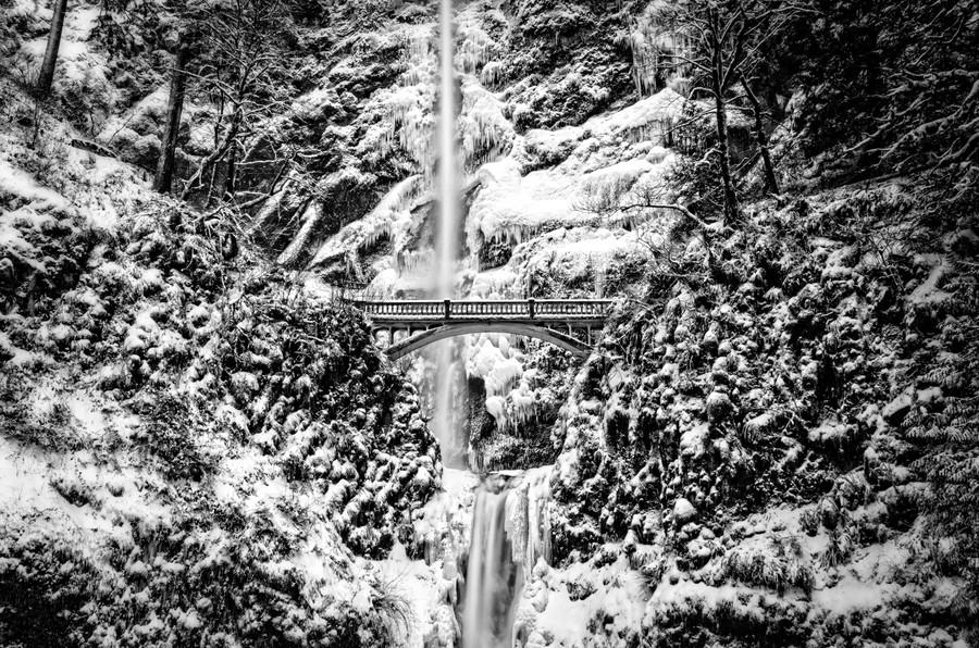 30 фантастических замороженных водопадов