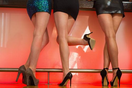 Почему отекают ноги: причины и методы лечения.