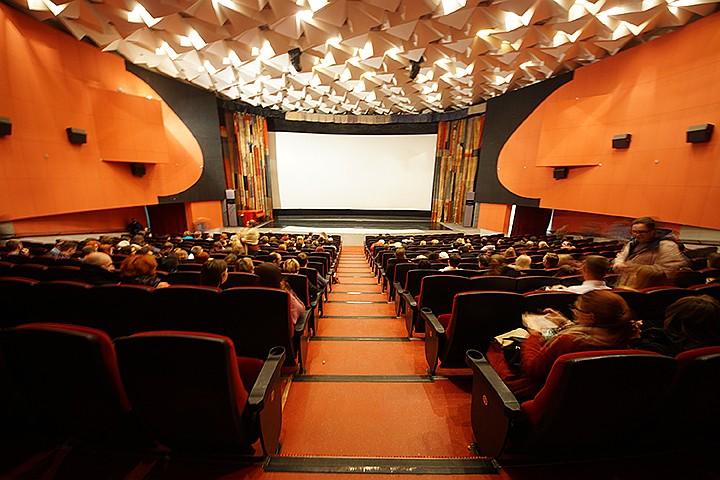 Больше половины россиян одобряют работу Минкульта и сдвиги в нашем кинематографе