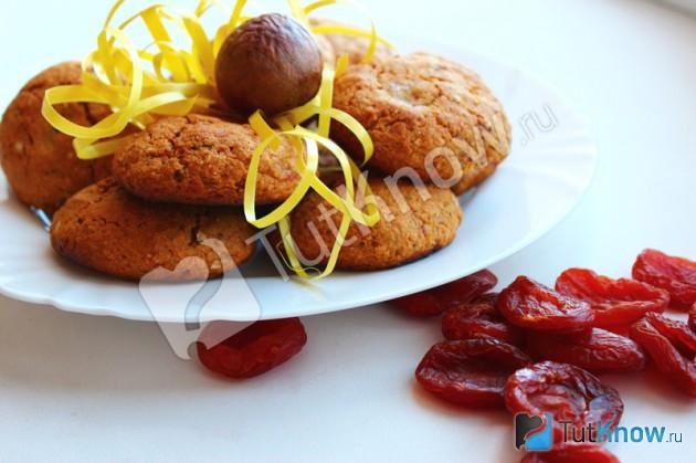 Овсяное печенье без сахара и маргарина с финиками, курагой и виноградом