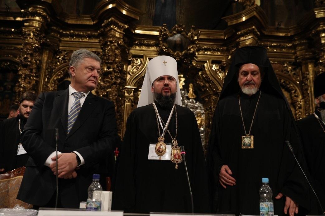 """Будет кровь: На Украине начинается """"резня"""" за церковное имущество"""