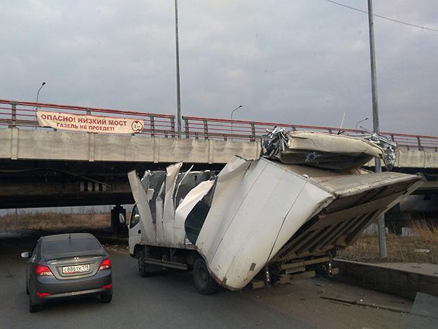 «Мост глупости» в Шушарах сделают заметным для водителей
