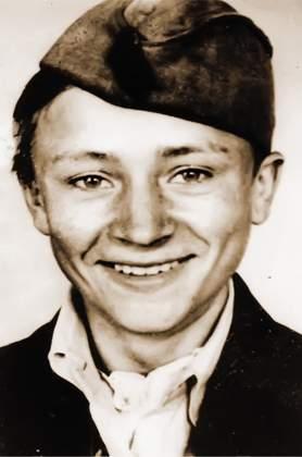 Немцы объявили за его голову вознаграждение, но они и подумать не могли, что против них воюет школьник