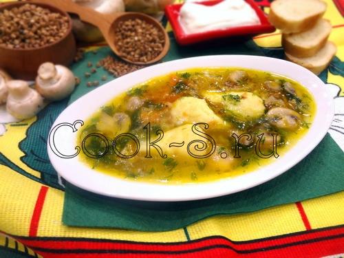 Суп с клецками и грибами