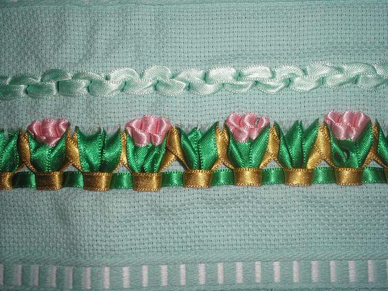 Идеи вышивки лентами на полотенце