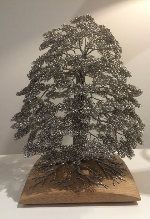 Величественное дерево Clive Madison.