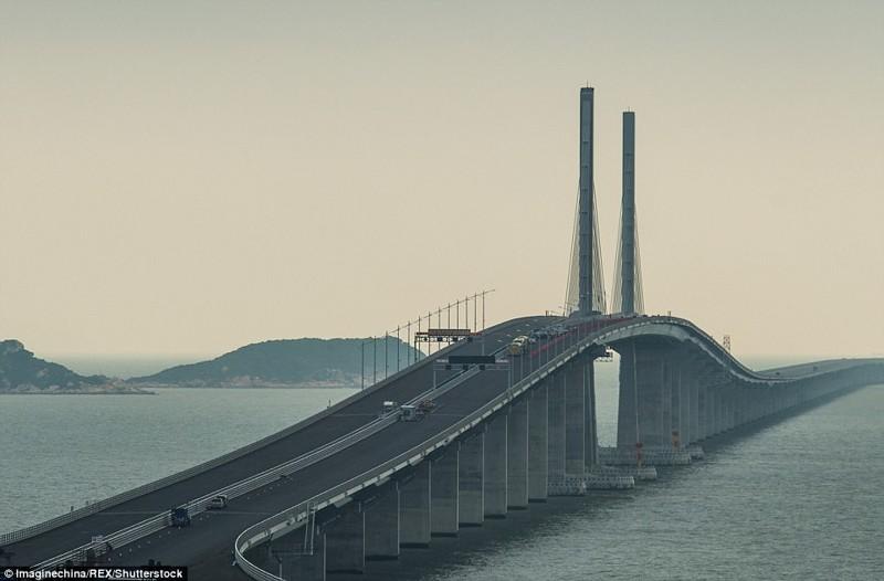 Сооружение сократит время в пути из Гонконга в Чжухай с 3 часов до 30 минут гонконг, длина, китай, море, мост, путь, рекорд, строительство