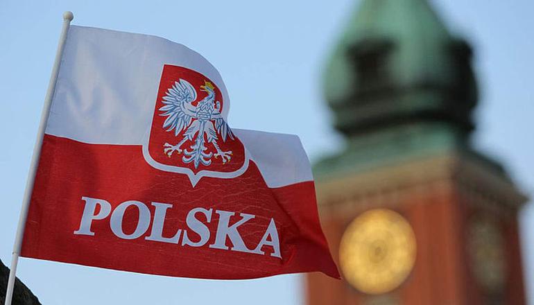 Скандал с польскими паспортами: Варшава ответила Киеву и Вильнюсу