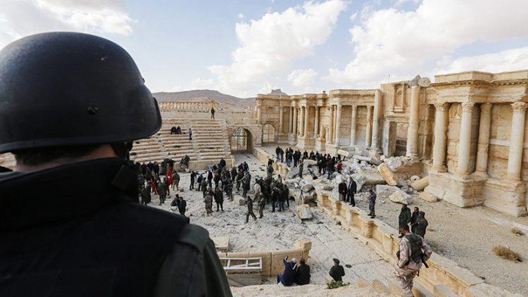 Пальмира воскресает: через бреши обороны ИГИЛ виднеется Дейр-эз-Зор